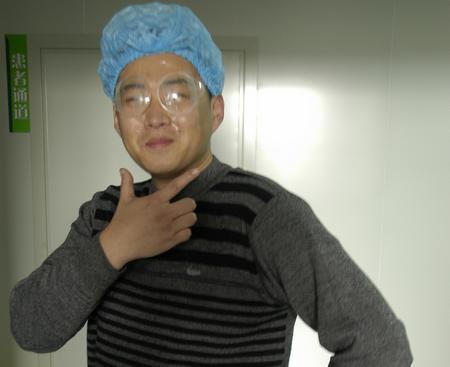 男生 帅哥 重庆/重庆普瑞眼科医院
